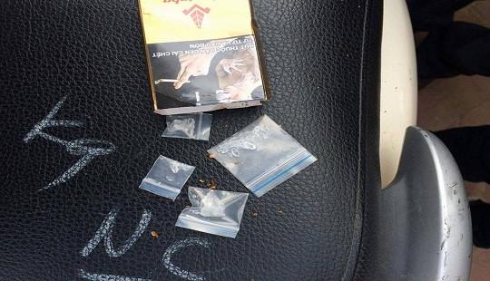 Tổ công tác 141 liên tiếp bắt đối tượng mang ma túy, pháo nổ dạo phố