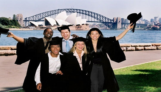 Học bổng sau đại học của Chính phủ Australia nhận hồ sơ đăng ký