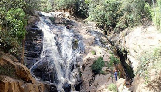 Hướng dẫn viên và du khách nước ngoài tử nạn khi đu dây vượt thác Hang Cọp