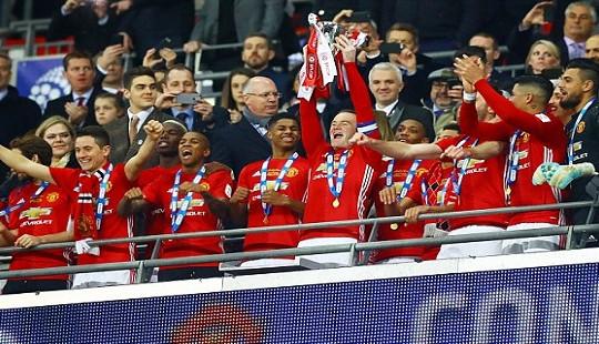 Ibrahimovic giúp Mourinho đoạt League Cup cùng Man Utd