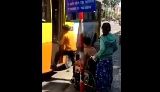 Đình chỉ nhân viên xe buýt vì từ chối chở người khuyết tật