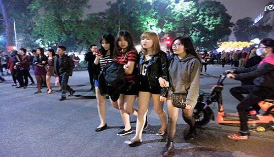 Thời tiết ngày 8/3: Thủ đô Hà Nội mưa rét, ẩm ướt