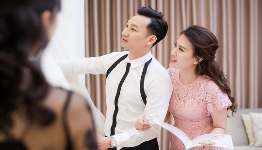 MC Thành Trung đưa vợ đi thử váy trước hôn lễ