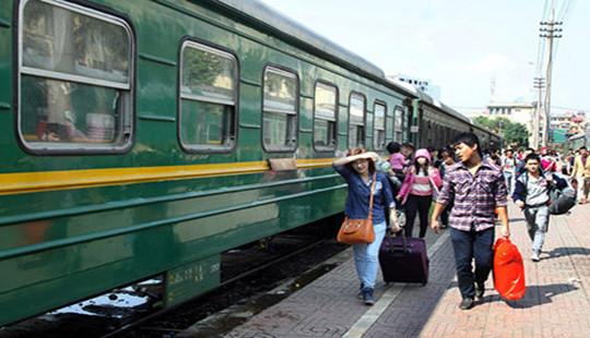 Đường sắt tăng nhiều chuyến phục vụ người dân đi lại dịp 30.4