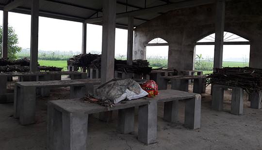 Nghệ An: Trung tâm thương mại 14 tỷ đồng bị bỏ hoang