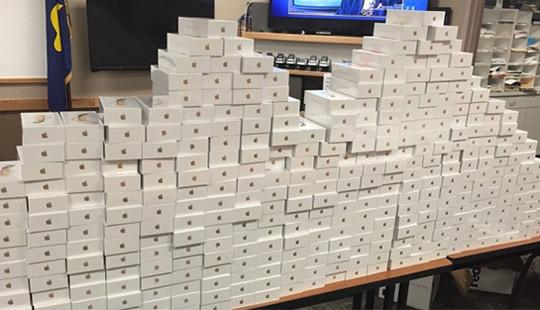 Thu giữ lô hàng iPhone nhập lậu trị giá hơn 3 tỷ đồng