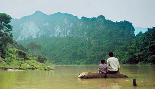 5 lý do biến 'Cha cõng con' trở thành bộ phim đáng xem của điện ảnh Việt Nam năm nay