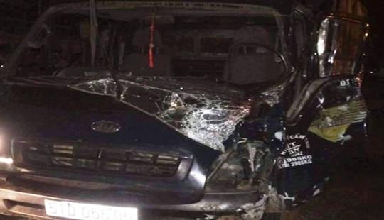 Đấu đầu xe tải, 3 người thương vong