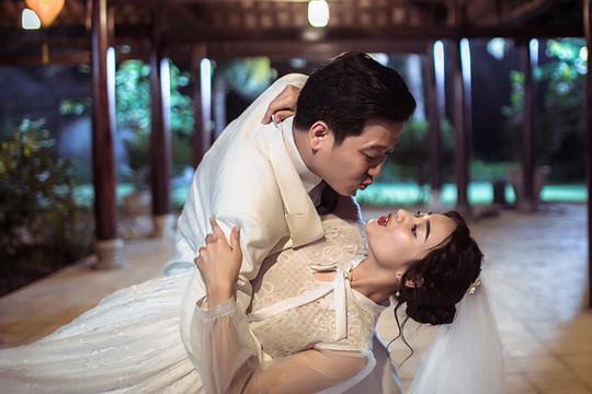 """Rò rỉ ảnh cưới """"siêu nhắng"""" của Trường Giang- Nhã Phương"""