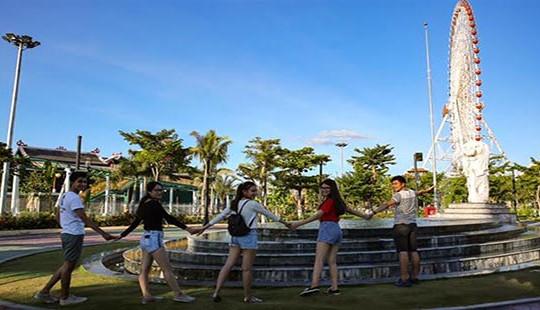 Chỉ 150 ngàn đồng, sinh viên được chơi thả ga tại Sun World Danang Wonders (Asia Park)