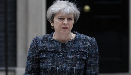Thủ tướng Anh thông báo thành lập chính phủ mới sau khi mất ưu thế tại Quốc hội