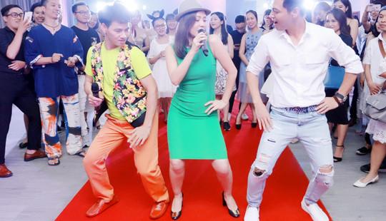 """Dàn sao Việt """"quậy tưng bừng"""" trong tiệc mừng ngày báo chí"""
