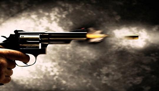 Ấn Độ: Chồng bắn chết vợ vì nấu cơm tối muộn