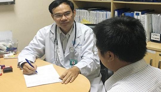 Nam thanh niên phát hiện ung thư tinh hoàn khi điều trị ho