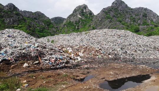 Dân khốn khổ vì bãi rác  tập trung của huyện quá tải gây ô nhiễm