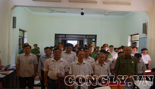 Xét xử 14 bị cáo trong vụ án tại Đồng Tâm