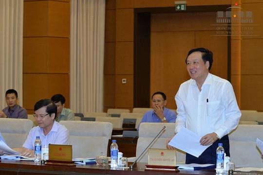 UBTVQH: Thông qua Nghị quyết về việc áp dụng thống nhất trang phục xét xử của Thẩm phán