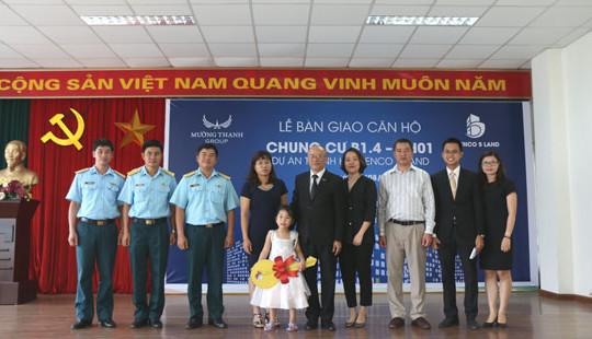 Tập đoàn Mường Thanh bàn giao nhà đúng cam kết cho gia đình Đại tá phi công Trần Quang Khải tại KĐT Thanh Hà Cienco 5