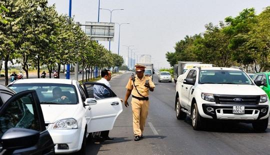 Được dùng bản sao giấy đăng ký xe khi tham gia giao thông: Phù hợp với thực tiễn xã hội