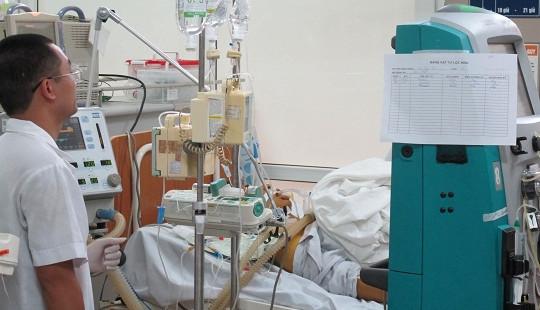 Nam sinh nguy kịch vì uống 19 viên thuốc hạ sốt trong 2 ngày liền
