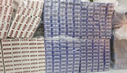 Thu giữ hơn chục nghìn bao thuốc lá ngoại nhập lậu