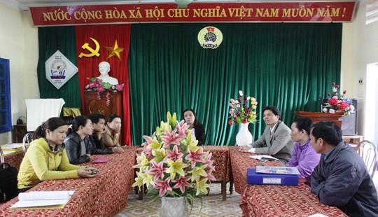 Trao quà cho nhà trường và học sinh có hoàn cảnh khó khăn tại Quảng Trị