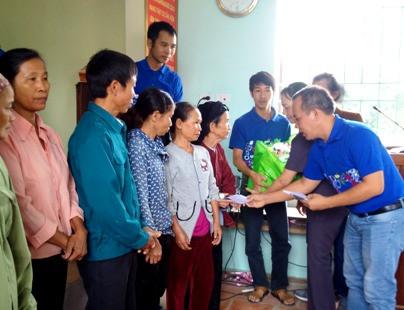 Báo Công lý đồng hành cùng siêu thị Co.opmart Thanh Hóa ủng hộ đồng bào lũ lụt