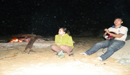 Tìm thấy 1 thi thể học sinh mất tích trên biển Hà Tĩnh