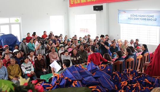 Masan Consumer tặng 200 triệu đồng cho ngư dân tỉnh Khánh Hoà