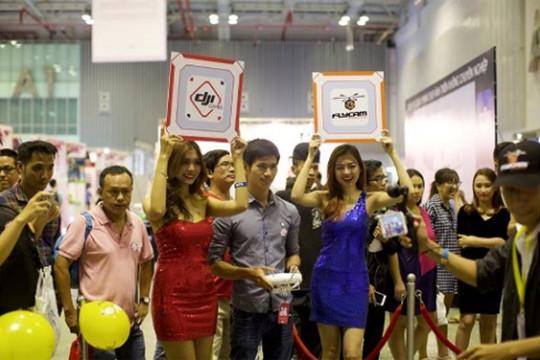 Viba show 2018: Cơ hội trải nghiệm kính thực tế ảo, thi lái flycam tại Hà Nội
