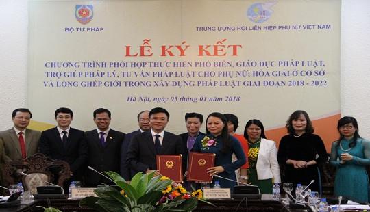 Bộ Tư pháp và Hội LHPN VN ký kết chương trình phối hợp thực hiện phổ biến giáo dục pháp luật