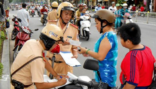 Thủ tướng chỉ thị đẩy mạnh triển khai bắt buộc đội mũ bảo hiểm