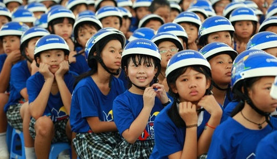 Học sinh Hà Nội ký cam kết không điều khiển xe máy khi chưa đủ tuổi