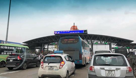 Cao tốc Pháp Vân - Cầu Giẽ ùn tắc kéo dài chiều mùng 4 Tết