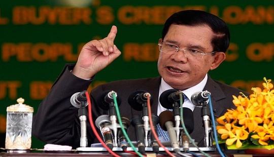 """Mỹ cắt viện trợ cho Campuchia vì sự """"thụt lùi"""" về dân chủ"""