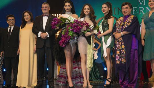 Hương Giang là người Việt đầu tiên giành giải ở cuộc thi Hoa hậu chuyển giới thế giới