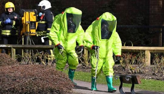Nga phản ứng vụ cha con cựu điệp viên hai mang bị hạ độc ở Anh
