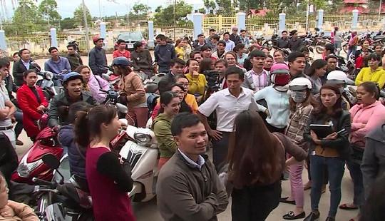 Đắk Lắk: Tạm dừng việc chấm dứt hợp đồng lao động với hàng trăm giáo viên