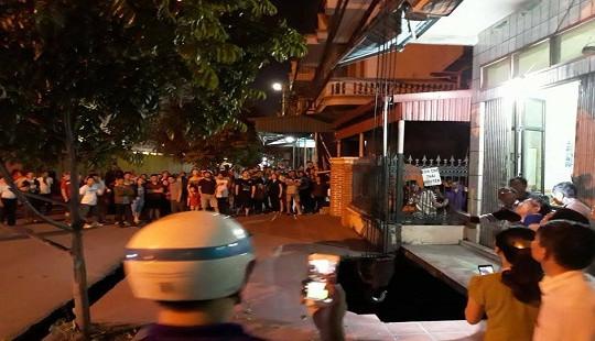 """Quảng Ninh: 1 người dân và 2 xe máy bị rớt xuống """"hố tử thần"""""""