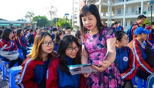 Trường ĐH Luật Hà Nội tư vấn tuyển sinh tại Quảng Ninh
