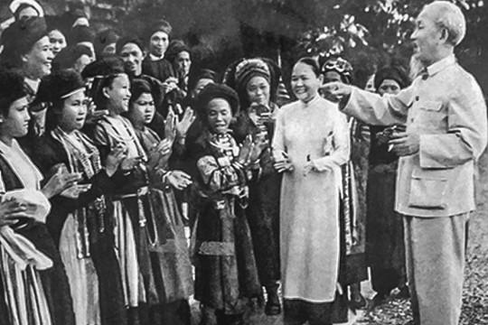 Kỷ niệm 128 năm ngày sinh Chủ tịch Hồ Chí Minh: Lời Bác dạy còn ghi tạc núi rừng