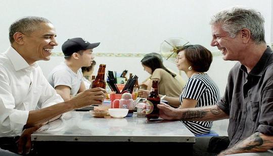 Đầu bếp nổi tiếng ăn bún chả với ông Obama tại Hà Nội bất ngờ tự sát