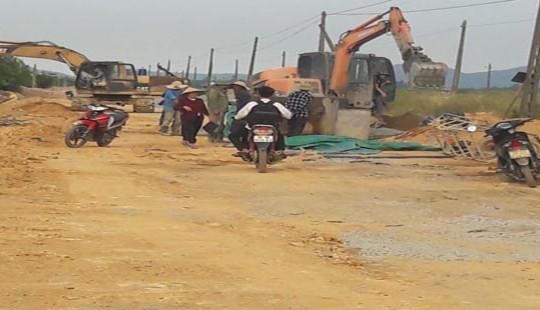 Hà Tĩnh: Công trình hàng chục tỷ thi công cẩu thả, mất an toàn