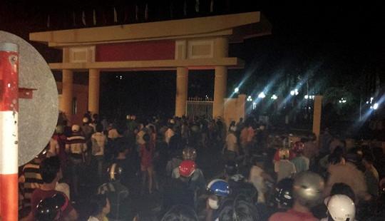 Bình Thuận: Nhiều chiến sỹ bị thương khi ngăn cản đám đông quá khích