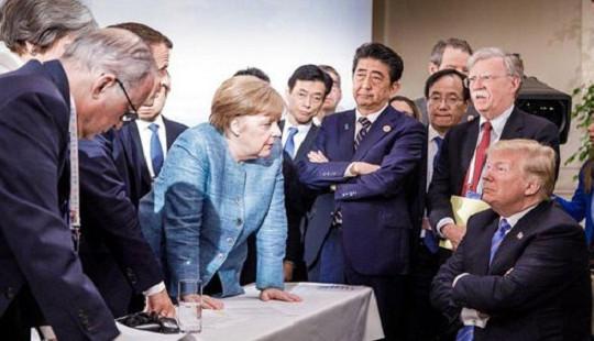 Sự thật đằng sau bức ảnh ông Trump đối đầu với các lãnh đạo G7