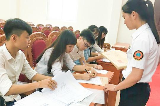 Học sinh trúng tuyển vào lớp 10 công lập cần lưu ý khi làm thủ tục nhập học