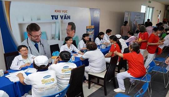 Vinamilk Sure Prevent đồng hành cùng 3.000 người cao tuổi tại Giải thi đấu thể dục dưỡng sinh TP. HCM