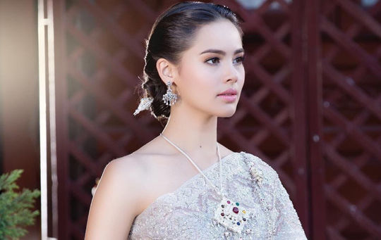 Vì sao Ngọc nữ Thái Lan gây bão cộng đồng mạng Việt Nam?