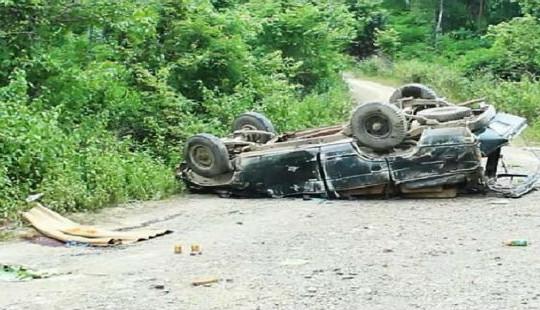 Vụ lật xe chở gỗ lậu khiến 2 người tử vong: Tạm đình chỉ 4 cán bộ quản lý bảo vệ rừng