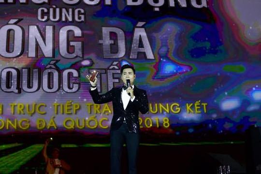 Nguyên Khang sôi động cùng Sơn Tùng MTP